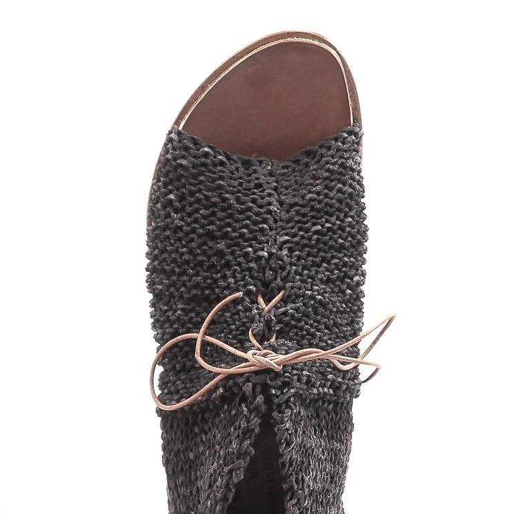 CYDWOQ Prowler Damen Sandalen schwarz